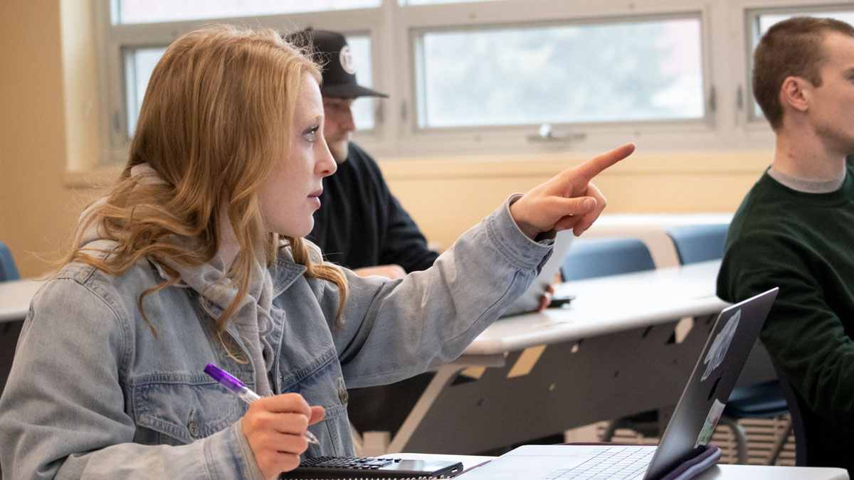 Engineering Girl in Class Graphic