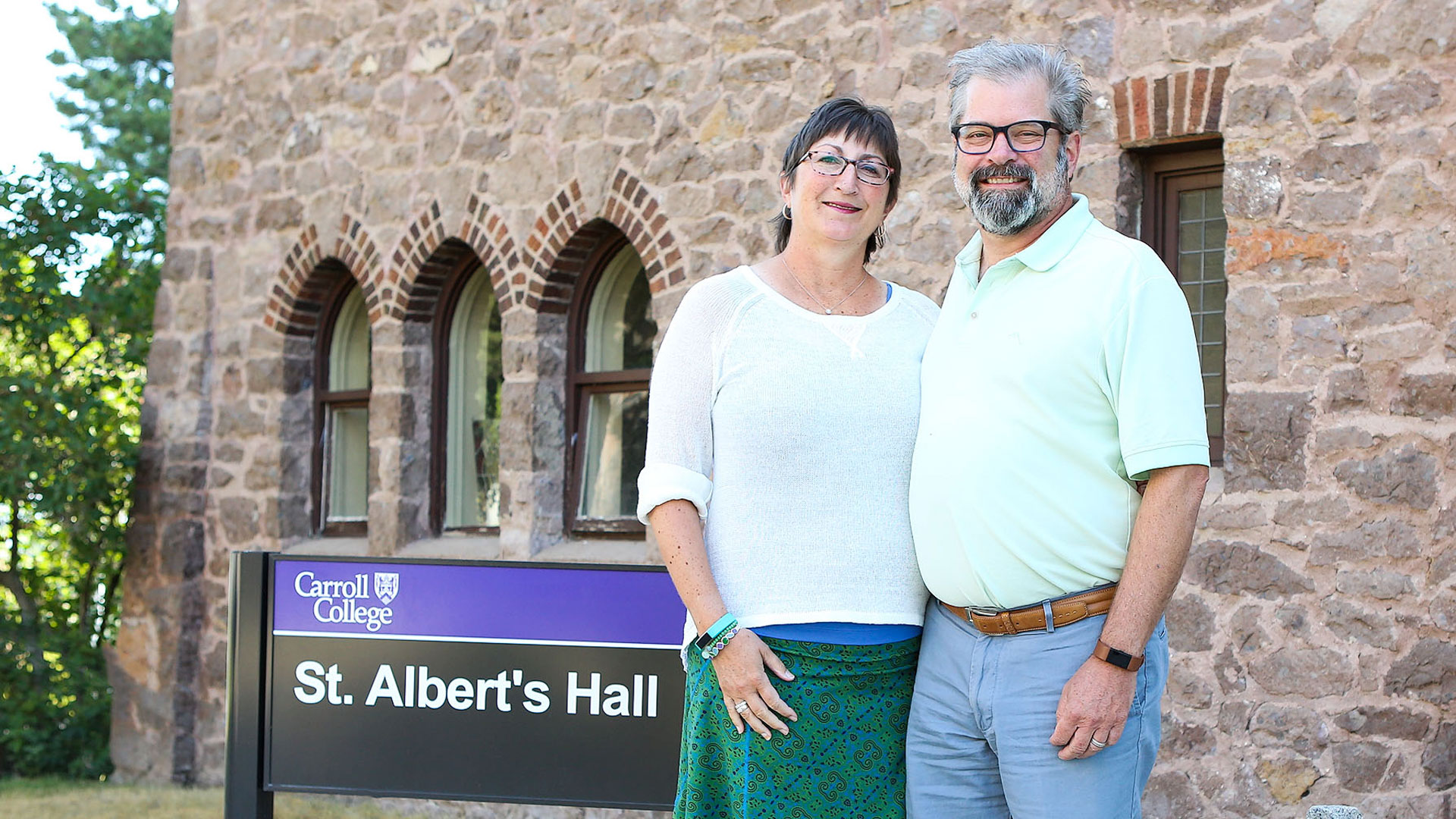 Photo of Susan Raunig and Greg Roeben on Campus