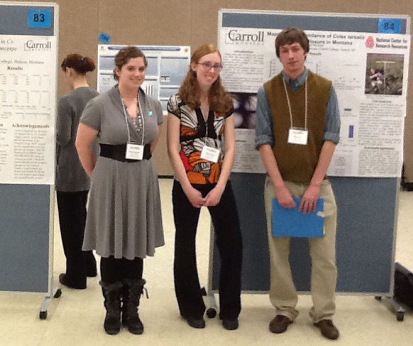 INBRE Students showing their research