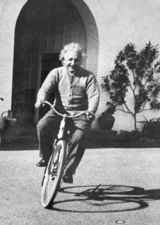 einstein_on_bicycle