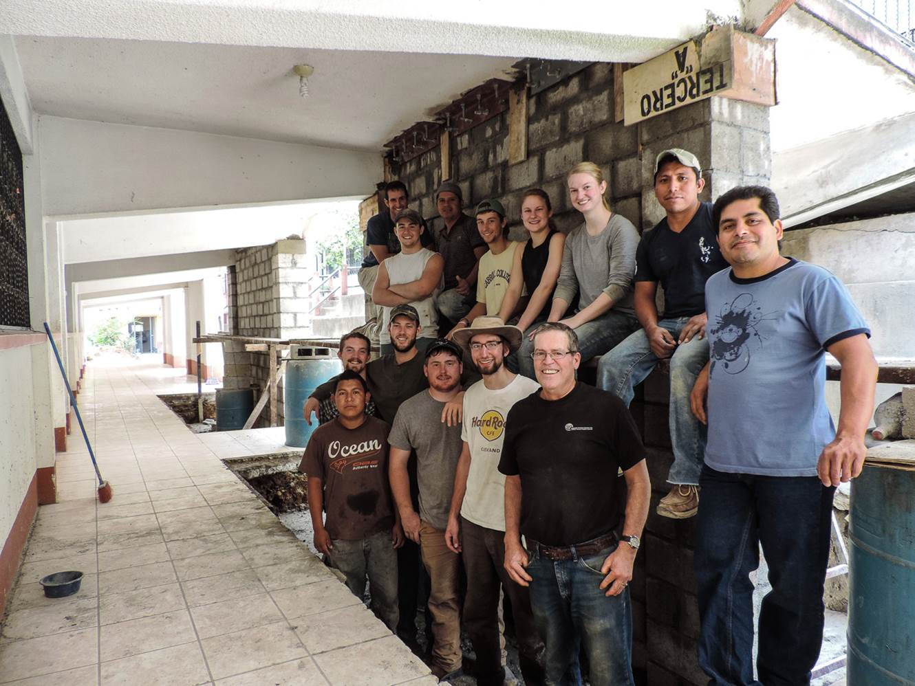 Image of EWB students in Guatemala
