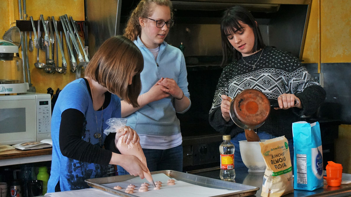 French Immersion Weekend - students baking