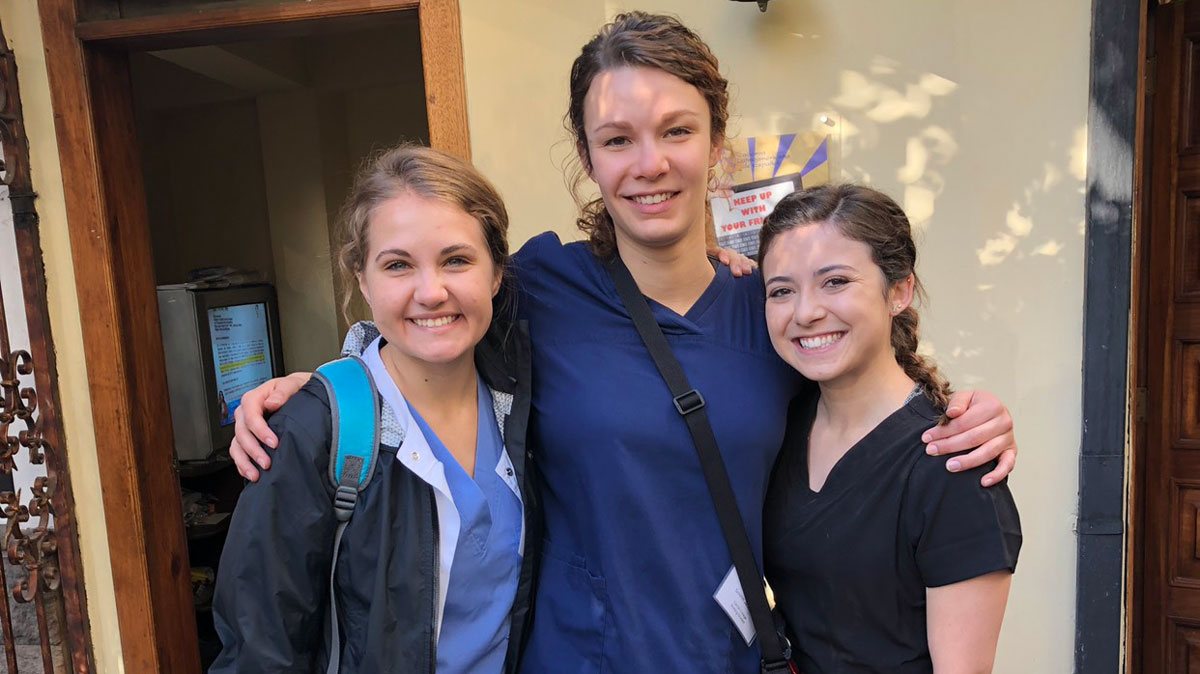 Nursing students in Ecuador