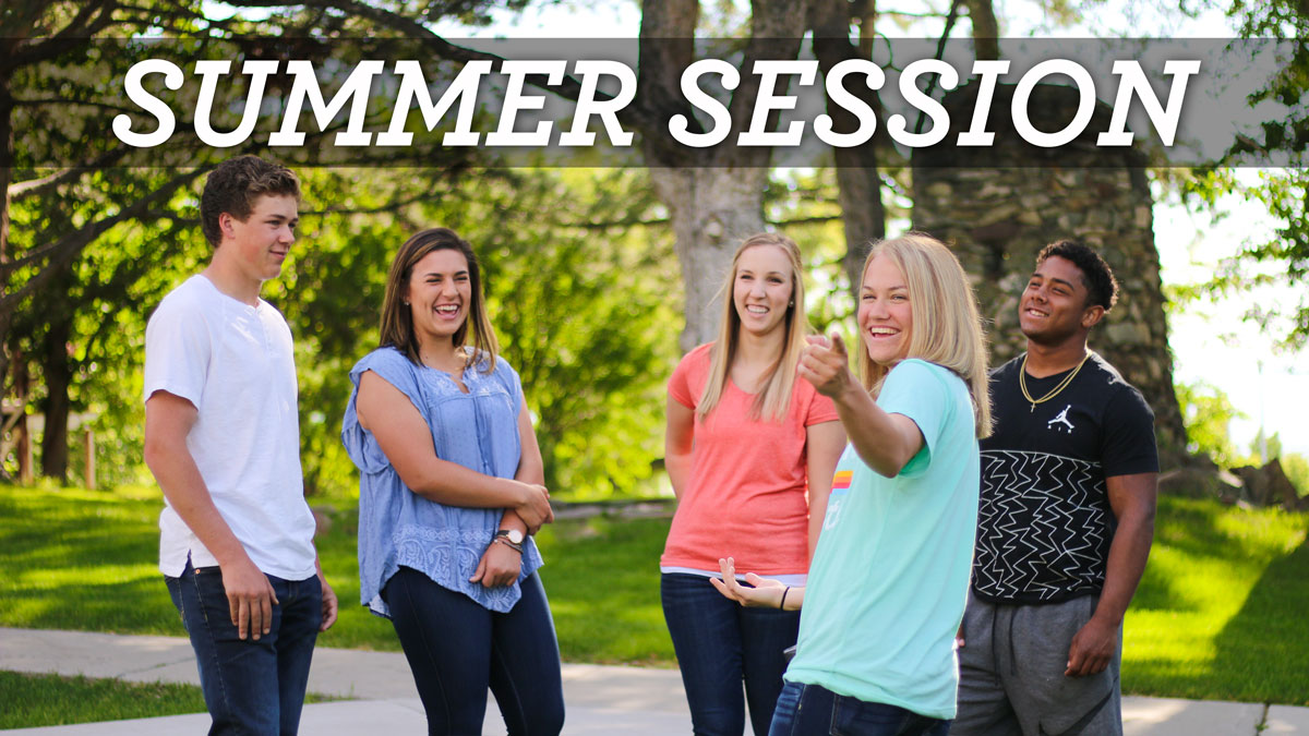 Students talking - Summer Session